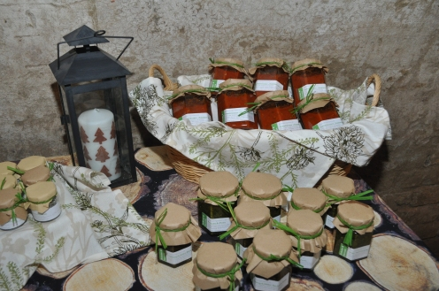 Tomatensauce und Pestos