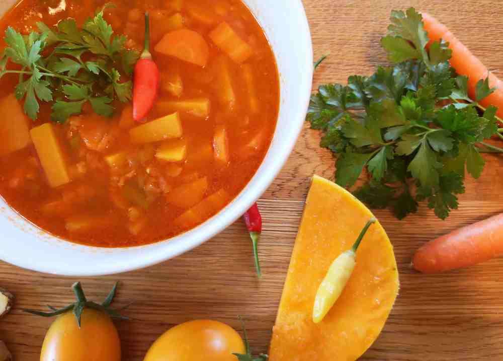 Kürbis Linsen Suppe mit Ingwer und Chili